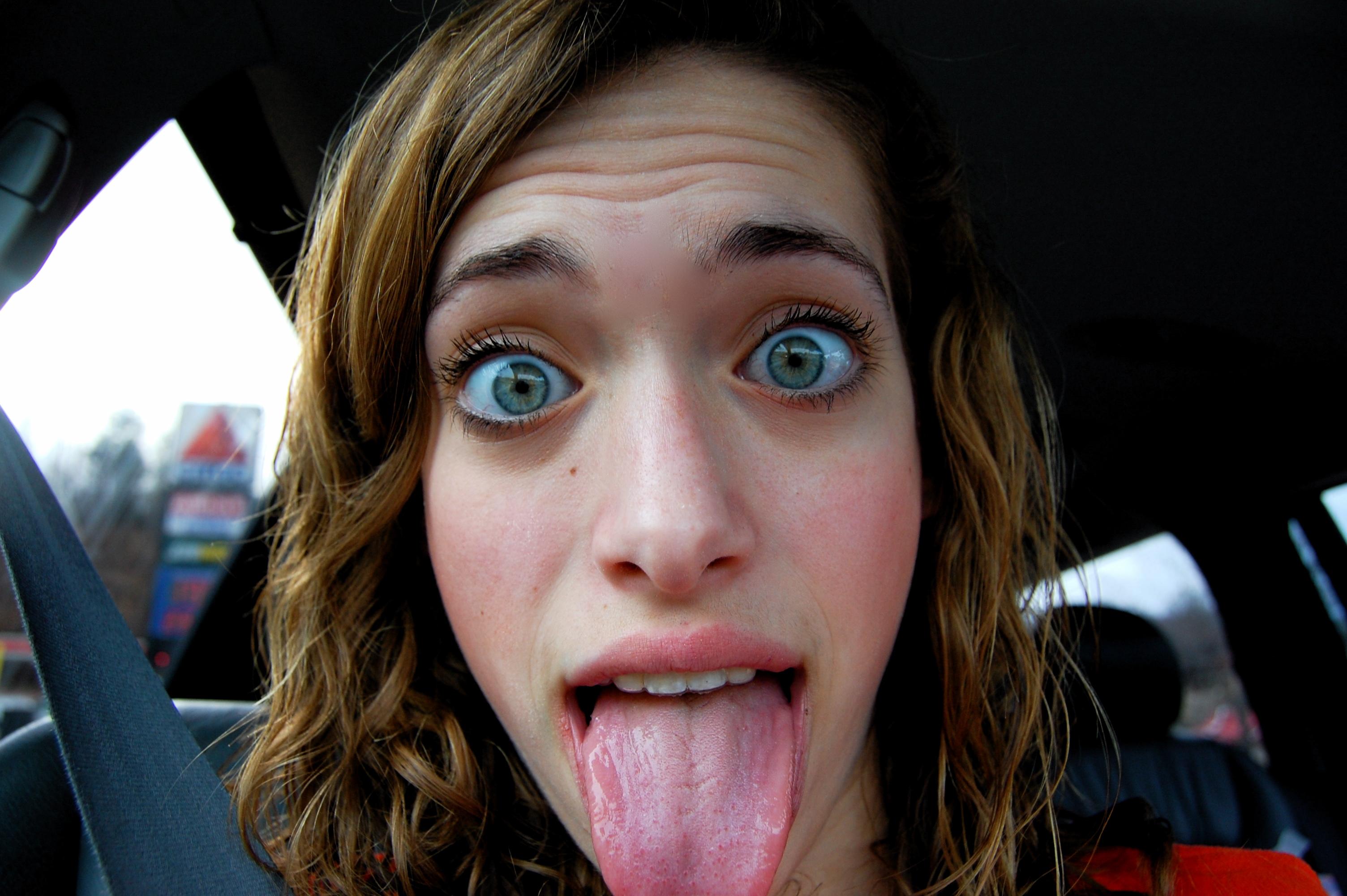 cute-teen-tongue-bar-pamela-pussy