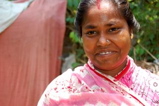 Kolkata mother in pink sari