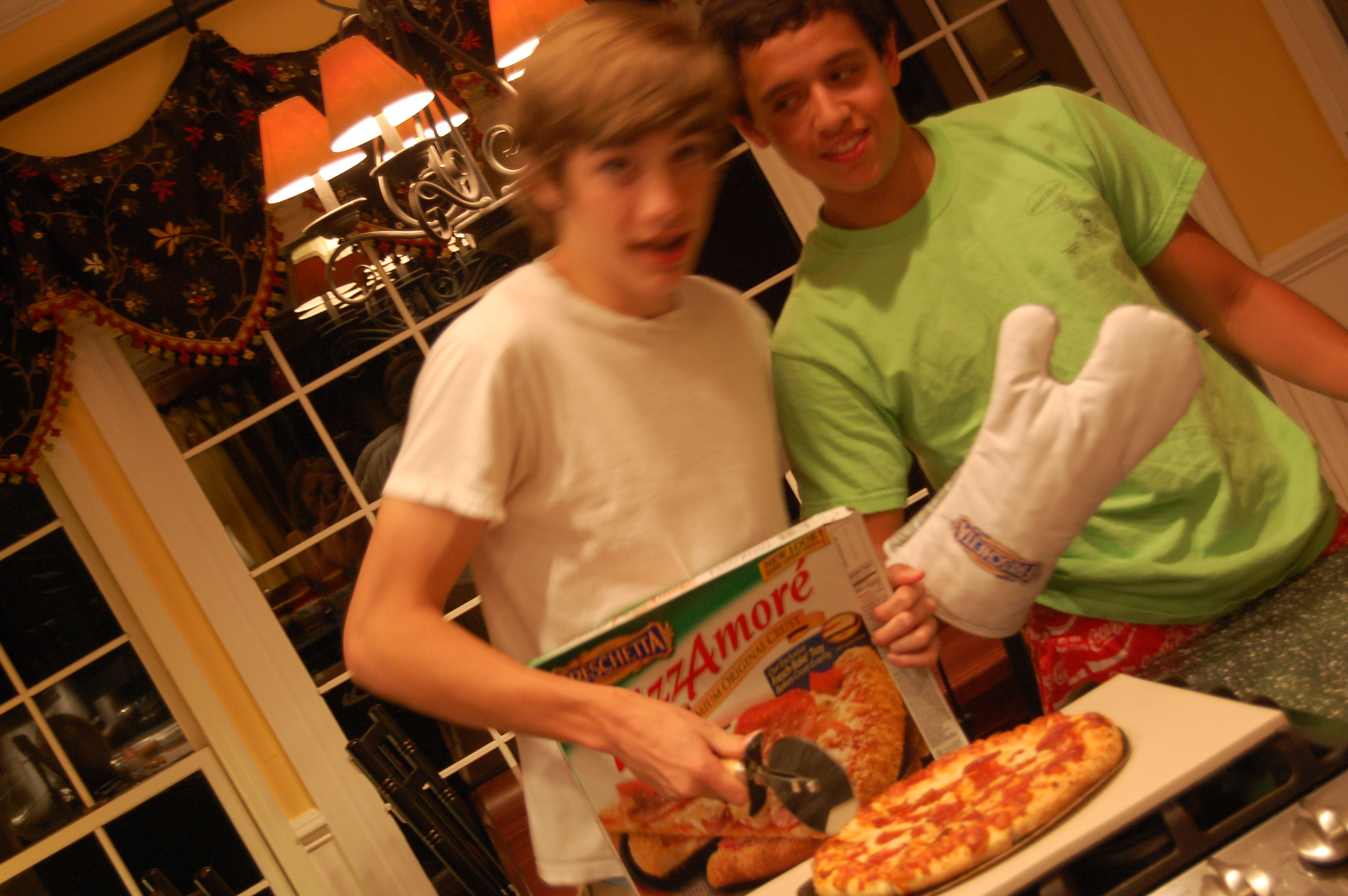Teen boys & Freschetta Pizza