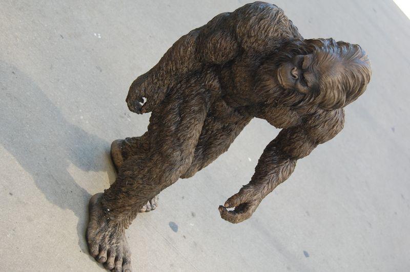 Gorilla statue on the Magnificent Mile