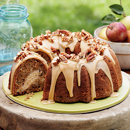 Apple-cream-cheese-bundt-cake-sl-x
