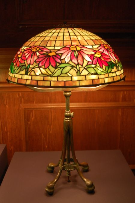 Tiffany Poinsettia lamp