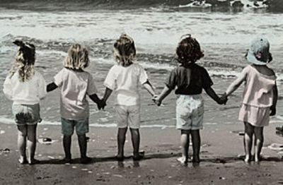 Girlfriends-holding-hands