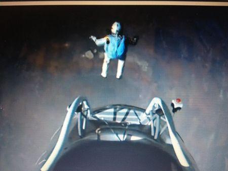 Amazing picture of Felix Baumgartner just after he steps off the platform