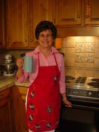 Sarahs_mitten_personalized_apron