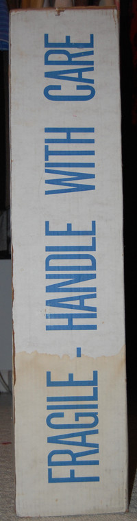 Outer_box_handle_with_care