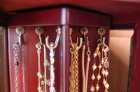 Jewelry_box_hooks