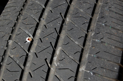 Nail_or_screw_in_tire