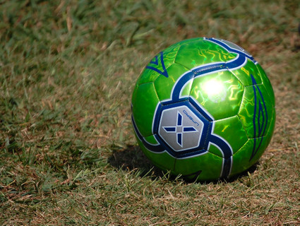 Green_soccer_ball_2