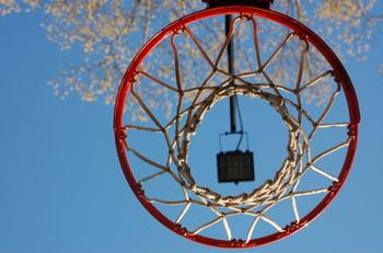 Under_basketball_goal