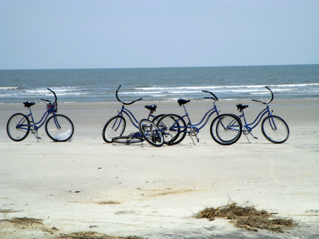 Bikes_on_the_beach