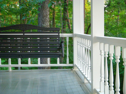 Front_porch_swing