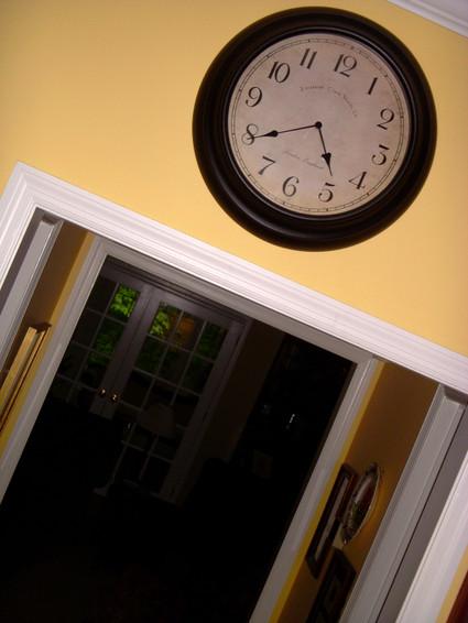 Black_clock_over_doorway