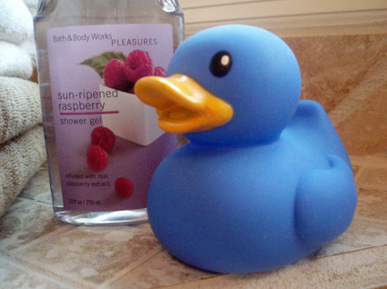 Blue_rubber_ducky