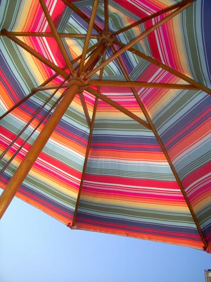 Colorful_market_umbrella_2